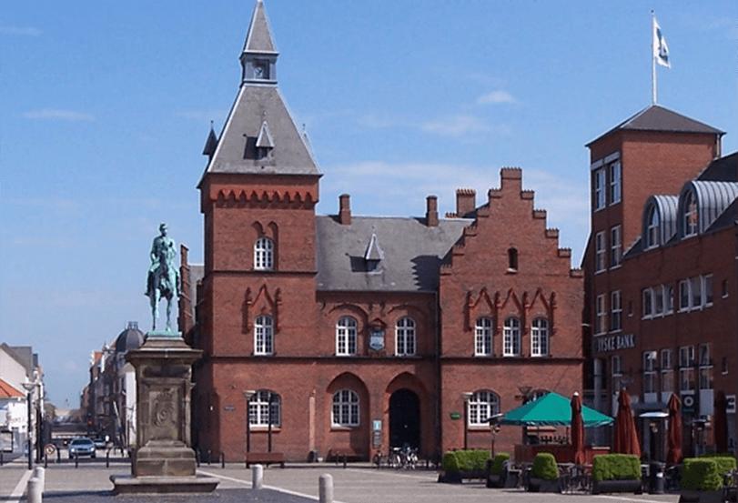 Torvet i Esbjerg. Torvet besøges af studenter på studenterkørsel