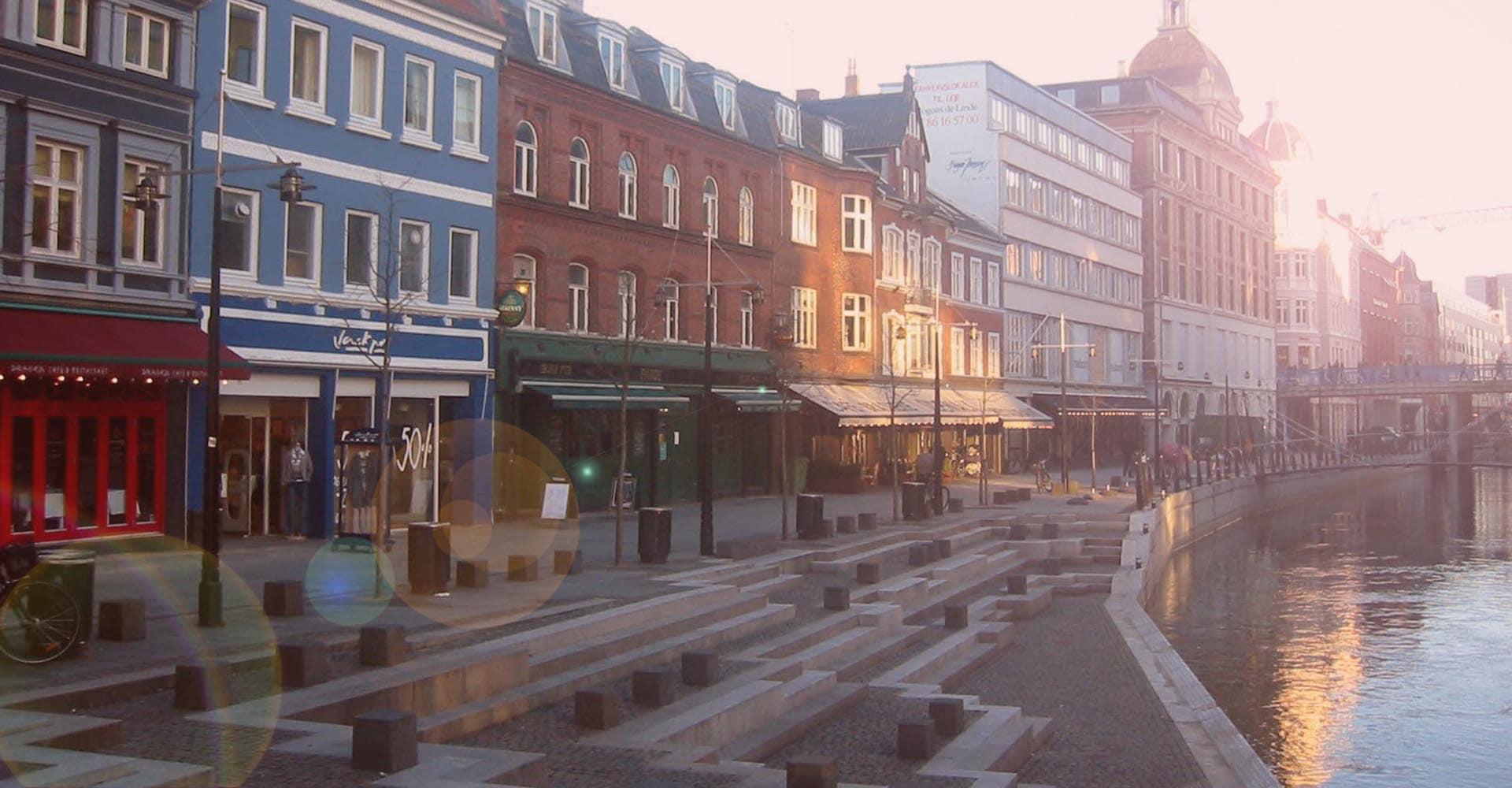 fest ved Århus Å efter studenterkørslen